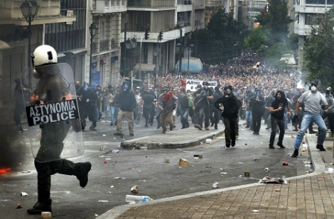 Greek-Austerity-Riots-5