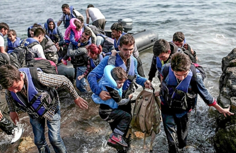 16-11-15-syrian-refugees-lesbos-590x393
