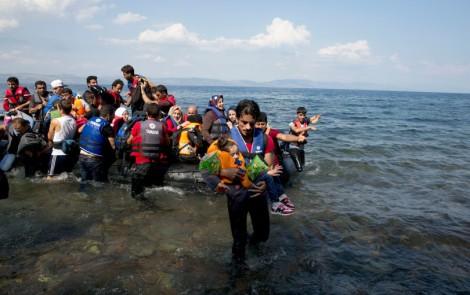 refugees_lesbos_ap_img-810x510